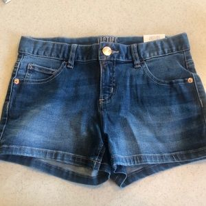 Justice jean shorts 14 NWT